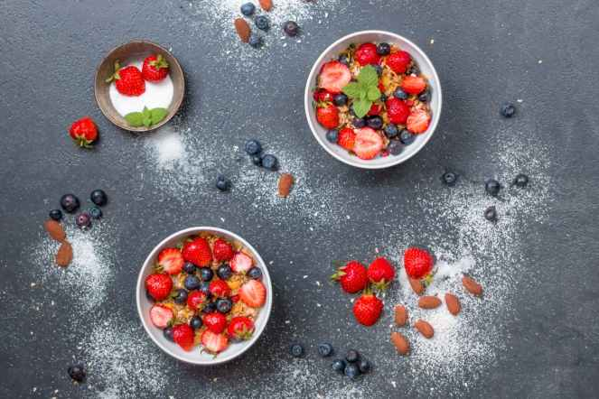 berries blueberries bowls confection